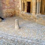 Pavage de la cour, Abbatiale de Romainmôtier